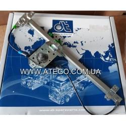 Стеклоподъемник правый механический Mercedes Atego 9737200246. DT