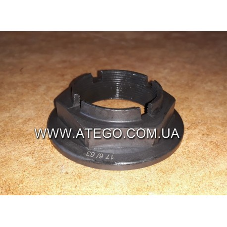Гайка передней ступицы Mercedes Atego 9723320072 (M45). PETERS
