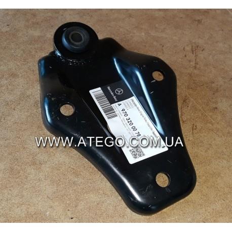 Верхний кроштейн переднего стабилизатора Mercedes Atego 9703200078. MB OE