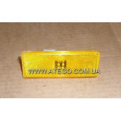 Габарит боковой Mercedes Atego желтый с фишкой (120x45). MEGA