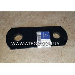 Пластина крепления задней рессоры Mercedes Atego 9743250320 (Серьга). Оригинал