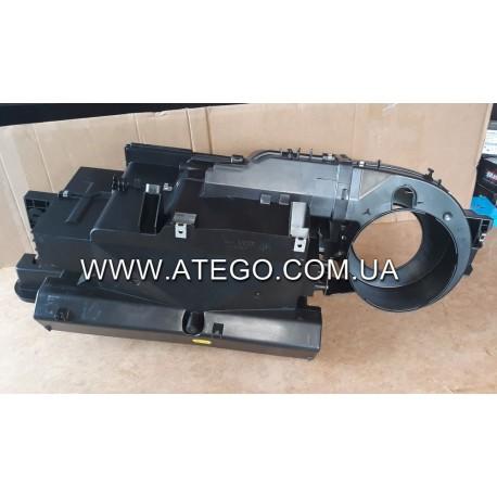 Радиатор печки Mercedes Atego с корпусом 0018301903. BEHR