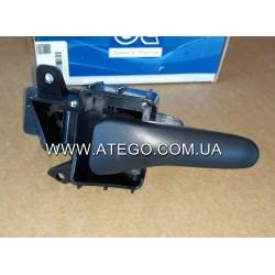 Внутрішня дверна ручка права Mercedes Atego 0007230135. DT