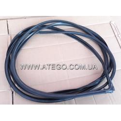 Уплотнитель лобового стекла Mercedes Atego 9736710120. Оригинал