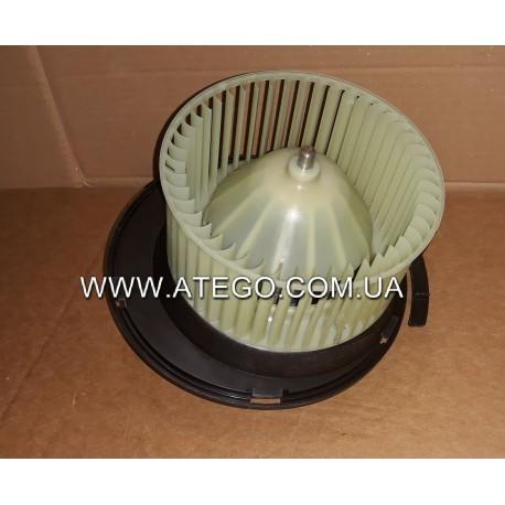 Вентилятор печки Mercedes Atego 0028302408. BEHR