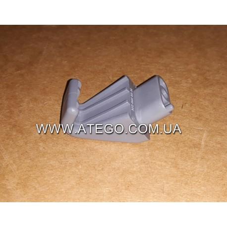 Крючок для одежды Mercedes Atego 9738440014. Оригинал