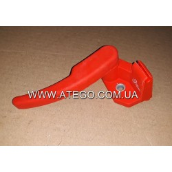 Красная ручка расфиксации кабины Mercedes ATEGO 9588900064. Турция