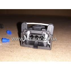 Вилка электрическая датчика конденсата Mercedes Atego 0025404381.