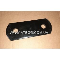 Пластина крепления задней рессоры Mercedes Atego 6753250020 (Серьга). Оригинал