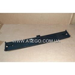 Прижимна планка кріплення акумуляторів Mercedes Atego пластикова 9705410026 (L-410 mm). Оригінал