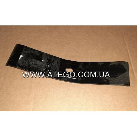 Прижимная металлическая накладка крепления аккумуляторов Mercedes Atego 6205410526. Оригинал