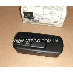 Блок керування склопідйомником Mercedes Atego 0055451713 (пасажирська сторона). Оригінал