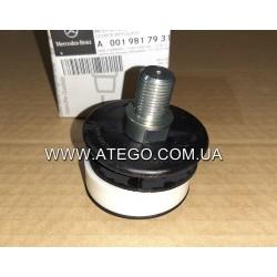 Шарнир крепления рычага переключения передач Mercedes Atego 0019817931. Оригинал