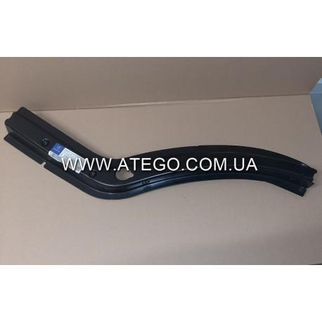 Накладка колесной арки кабины Mercedes Atego 9736101232 левая. Оригинал