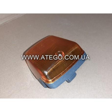 Повторитель поворотов Mercedes ATEGO правый 9738200421.